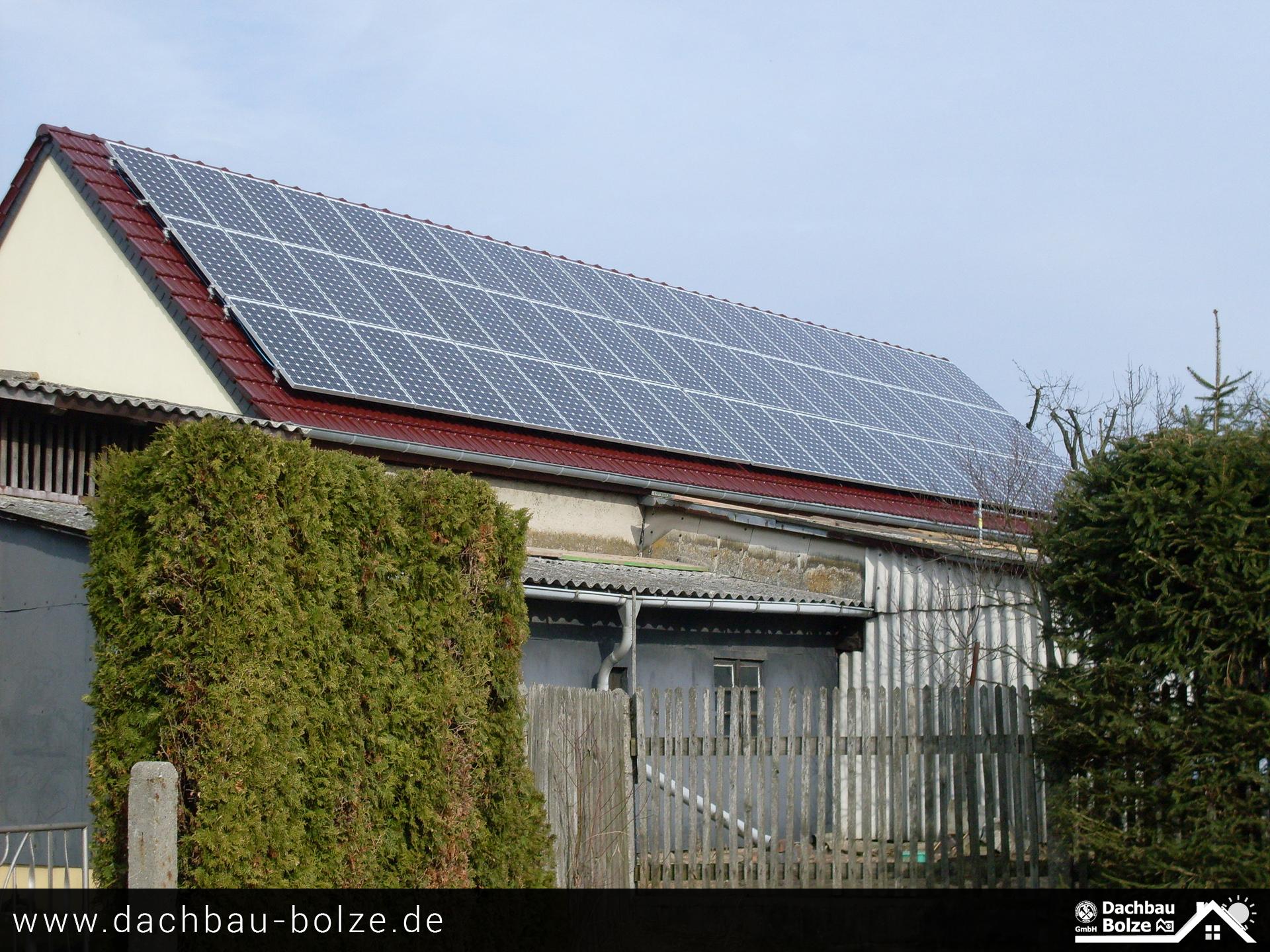 Dacheindeckung & Photovoltaikanlage Dachbau-Bolze
